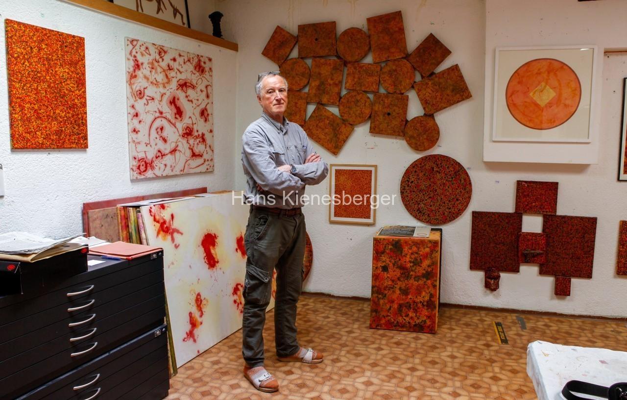 Hans in seinem Atelier